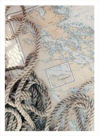 båttamp och sjökort