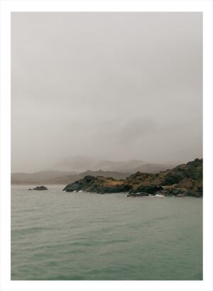 Ett berg som sakta går ut i havet