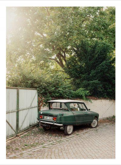 Vintagebil parkerad i Visby